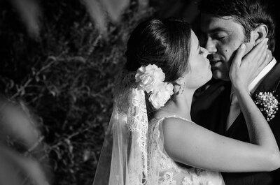 Mariana e Thiago: mini wedding rústico-tropical maravilhoso e em casa!