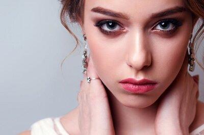 Зимняя гостья: какой макияж сделать, если вас пригласили на зимнюю свадьбу?