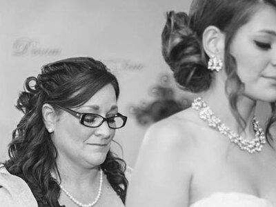 Come scegliere tra gli 8 tipi di collana quello più adatto alla scollatura dell'abito da sposa