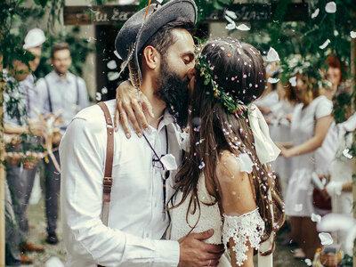 Miłość w odsłonie uczucia z całych sił! Poznali się na weselu, a po 2 miesiącach zaręczyli! Odważni, piękni i zakochani!