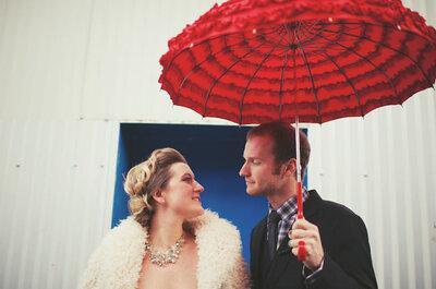 Sposa bagnata? Cosa fare in caso di pioggia nel giorno delle nozze: qualche idea per ombrelli da sposa