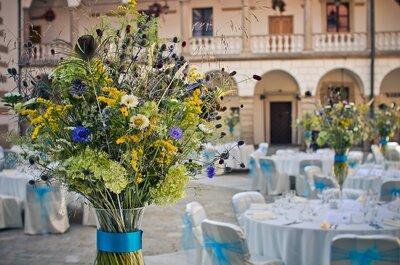 Trendy we florystyce ślubnej - polne kwiaty: Kopry, chabry, rumianki…