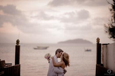 Casamento na praia: conheça os prós, os contras e os desafios de uma celebração com os pés na areia