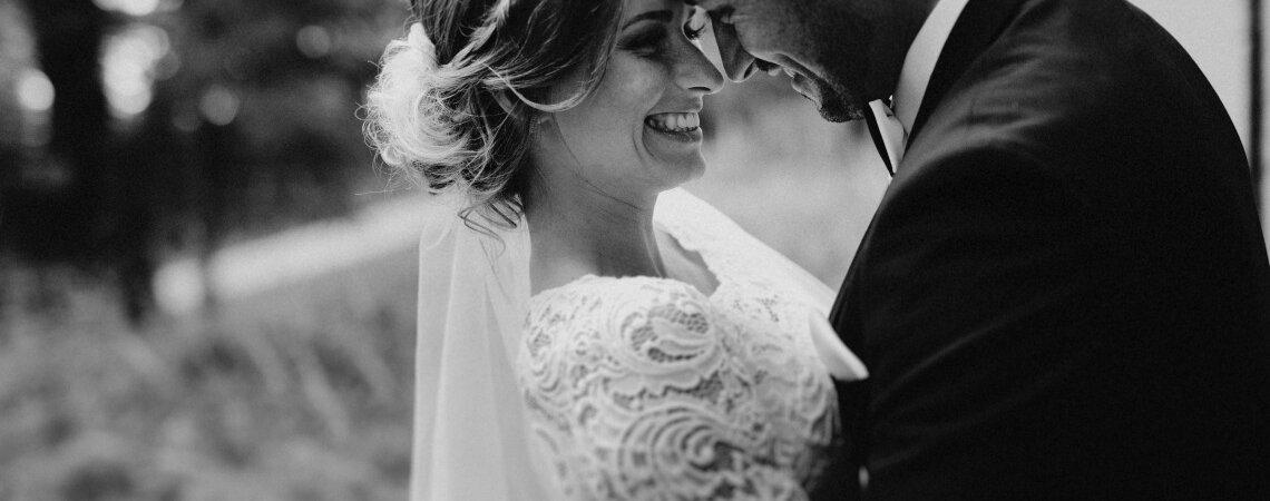Die 8 schönsten Hochzeitsfrisuren, die Sie jünger aussehen lassen
