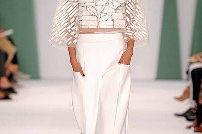 Festkleidung für die Hochzeits-Gäste: Feminine Schnitte für 2015 von Carolina Herrera
