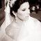 Penteado para noivas românticas com acessórios. Foto: Paulo Herédia