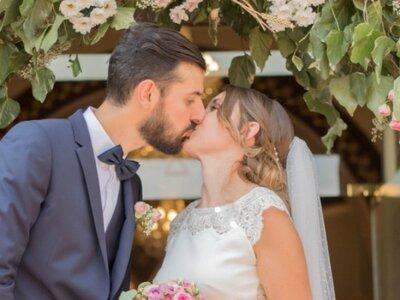 Lucie et Alexandre : Une rencontre follement romantique et un joli mariage dans l'Hérault