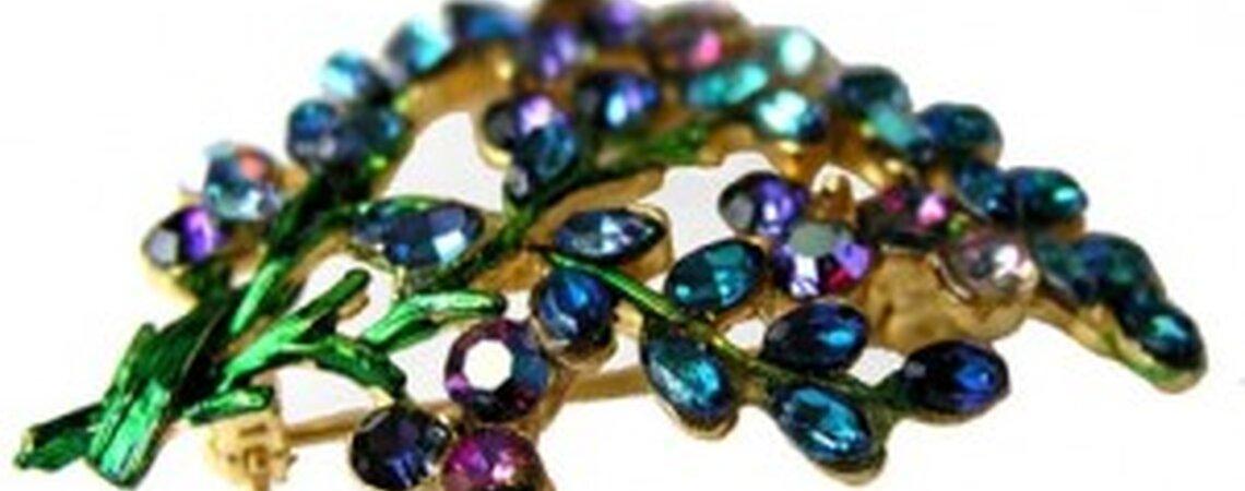 10 Jewel-Toned Bridesmaid Dresses