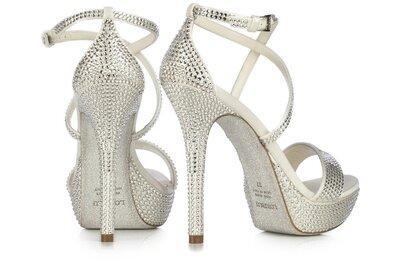 Le wedding shoes perfette per la sposa 2016; anche Cenerentola avrebbe scelto Loriblu!