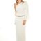 Vestido de novia 2013 con detalle de cristalería en la cadera y un sólo hombro