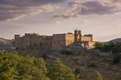 Mariage médiéval au Parador de Sigüenza: un château historique pour sceller votre amour