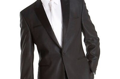 Tuxedos & Suits for Grooms