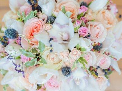 le bouquet de mari e 7 tendances pour un mariage color et fleuri en 2015. Black Bedroom Furniture Sets. Home Design Ideas