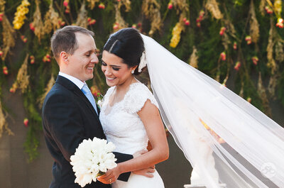 Casamento no campo de Luciana & Marcelo: ao ar livre, multicolorido e com toda a energia da natureza!