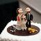 Figuras de la tarta de boda que también incluyen a su hija. Foto: Adriana Carolina