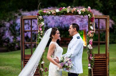 Tainá & Bruno: casamento LINDO ao ar livre em meio à natureza exuberante do Rio de Janeiro!