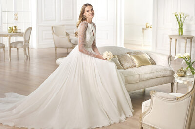 Vestido de novia con cuerpos drapeados de Pronovias 2015