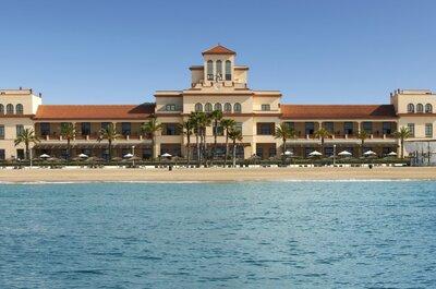 Lujo, relax y buena gastronomía para tu boda a orillas del Mediterráneo en el hotel Le Meridien Ra