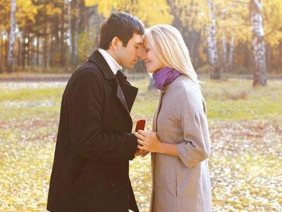 Selbst ist die Frau: Sollen Frauen den Heiratsantrag machen?