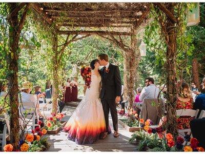 Trend alert! Dip-dye bruidsjurken