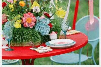 La fantasía del color en una boda hermosa al aire libre... ¡Deleite visual!