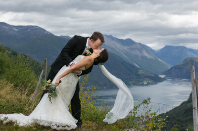 Mari & Christian: Norwegische Traumhochzeit in der Bergidylle
