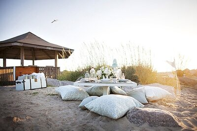 Wedding Lounges: Mingle in Style at Your Beach Wedding