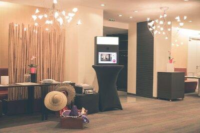 Un photobooth design et original pour votre mariage ? Dîtes OUI à la VIPBOX pour animer votre soirée!