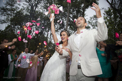 Larissa e Fábio: casamento DIY rústico no campo, mega espiritual e emocionante