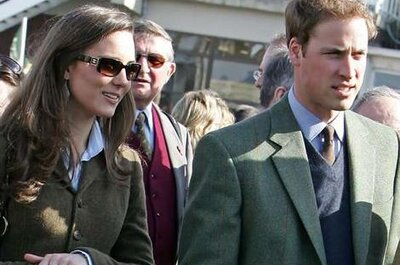 Prince William announces engagement to Kate Middleton