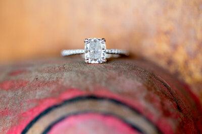 7 moments où vous devez absolument retirer votre bague de fiançailles !