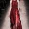 Vestido longo. Foto via Valentino official website