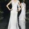 Vestido de novia 2013 en color blanco con tirantes gruesos, escote en V y falda amplias
