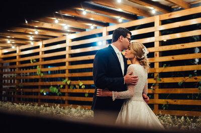 Casamento ao ar livre de Paula & Timóteo: romantismo no campo em tons de verde e branco!
