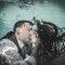 93. Beijo bom é aquele que até debaixo de água faz o coração suspirar