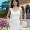 Suknia ślubna z półokrągłym dekoltem i kokardką w talii, Foto: Sincerity Bridal 2015
