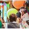 Bunte, farbenfrohe Hochzeitsdekoration. Foto: We heart pictures