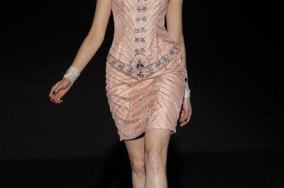 Brocados y una paleta de color exquisita: Vestidos de fiesta primavera 2015 de Sonia Peña