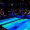 Luzes que saem do chão são a atração desta pista chamativa. Foto: Patricia Figueira