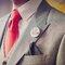 Detail bruidegom: stropdas, button en pochet