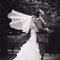 """Velo estilo """"capilla"""" se caracteriza por ser más extenso que el vestido de la novia."""