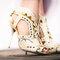 Dalla New York fashion week per la SS2014, Sophia Webster per J. Crew propone questi ankle booties open-toe in pelle e dettagli gold. Foto via jcrew.tumblr.com