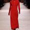 Festmode für Hochzeitsgäste: Rotes Kleid mit Ärmeln von Hermés.