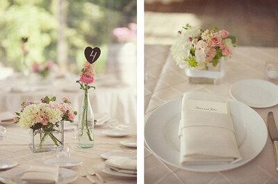 Detalhes cor de rosa na mesa do seu casamento