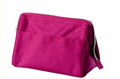 YAHOO Kit di emergenza per le invitate a nozze: 10 oggetti di cui non si può fare a meno PER laura chiari
