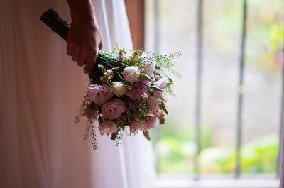 Stoff-, Satin-, Papierblumen und Perlen: Der Brautstrauß als Accessoires