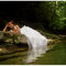 Trash the Dress von echten Brautpaaren