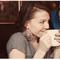 Sesión de fotos pre boda para amantes del café - Foto Emily Blake Photography