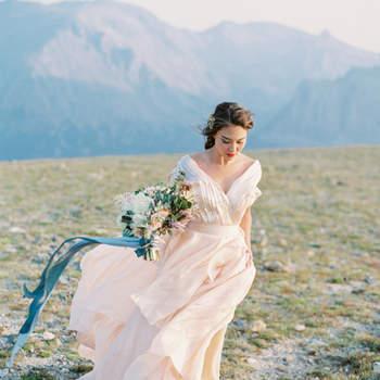 Color Me Pretty: Pastel Wedding Dresses 2016