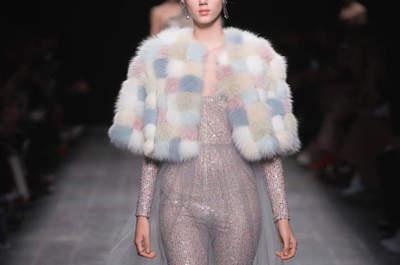 Paris Fashion Week otoño-invierno 2016-2017: 60 diseños para tu look de invitada